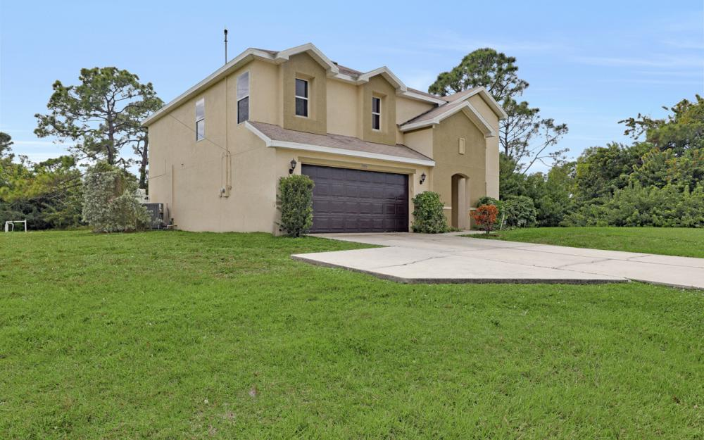 2806 Embers Pkwy W, Cape Coral - Home For Sale 750460630