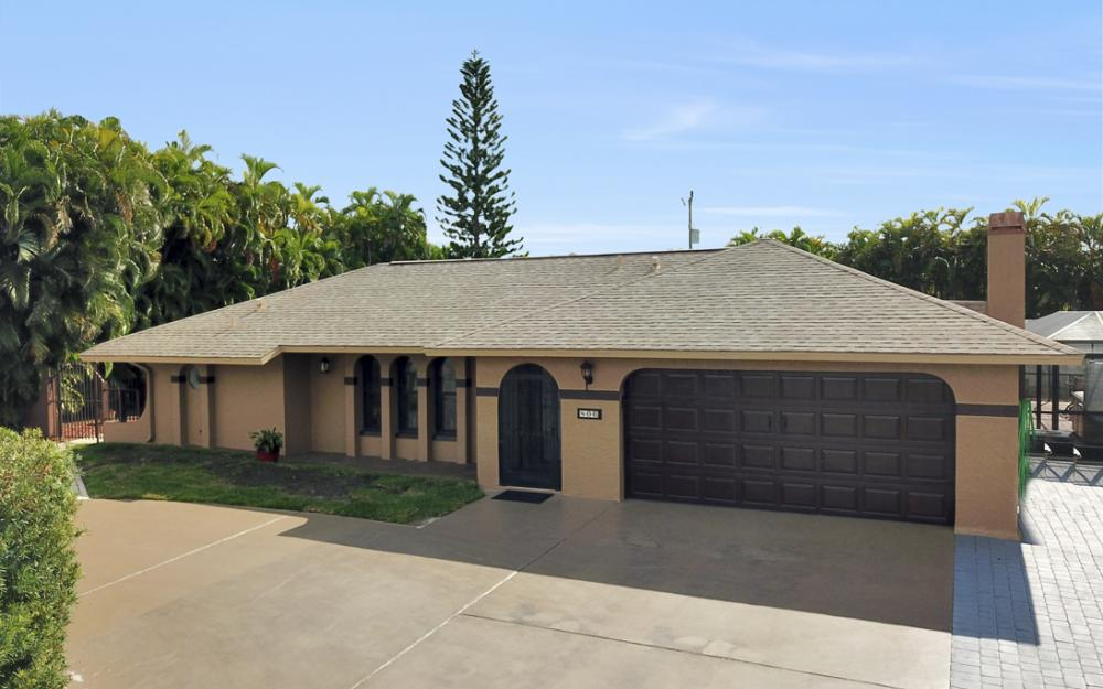 806 El Dorado Pkwy W, Cape Coral - Home For Sale 1231249191