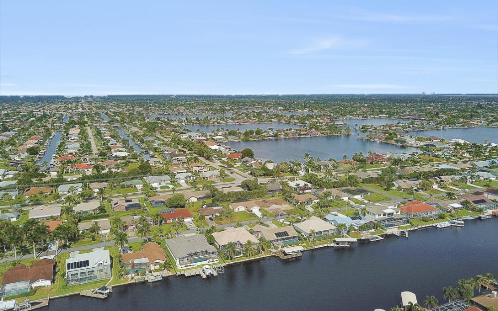 806 El Dorado Pkwy W, Cape Coral - Home For Sale 321779606