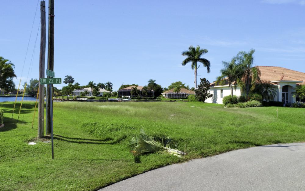 2220 SW 49th Terrace, Cape Coral - Lot For Sale 1026147538