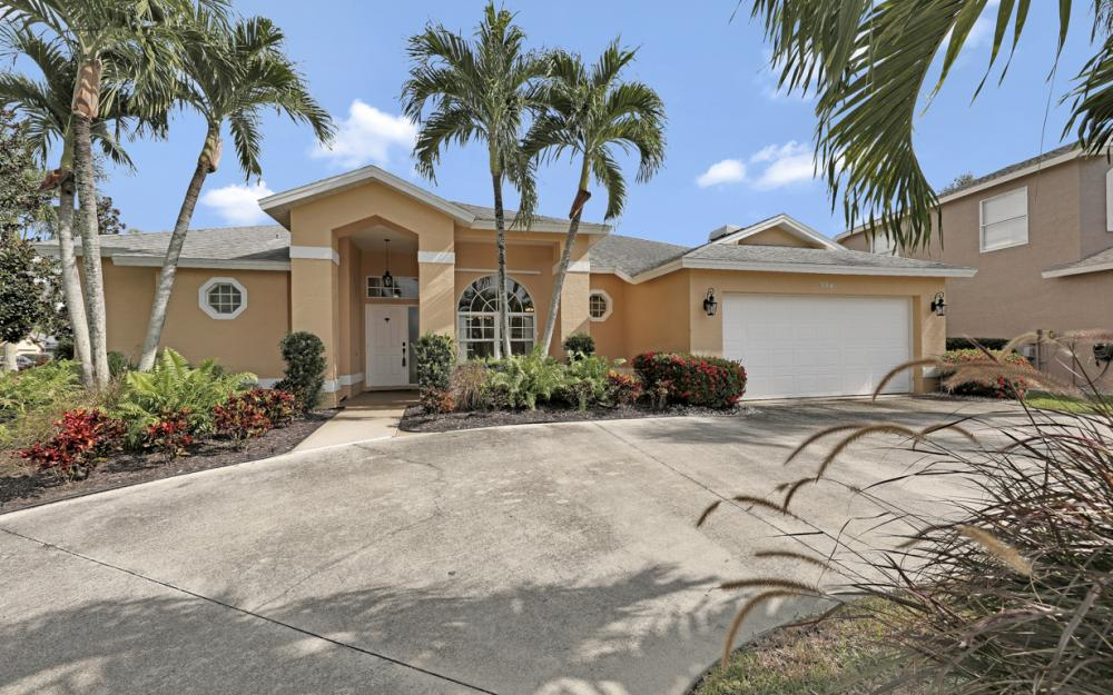 884 Briarwood Blvd, Naples - Home For Sale 527354979