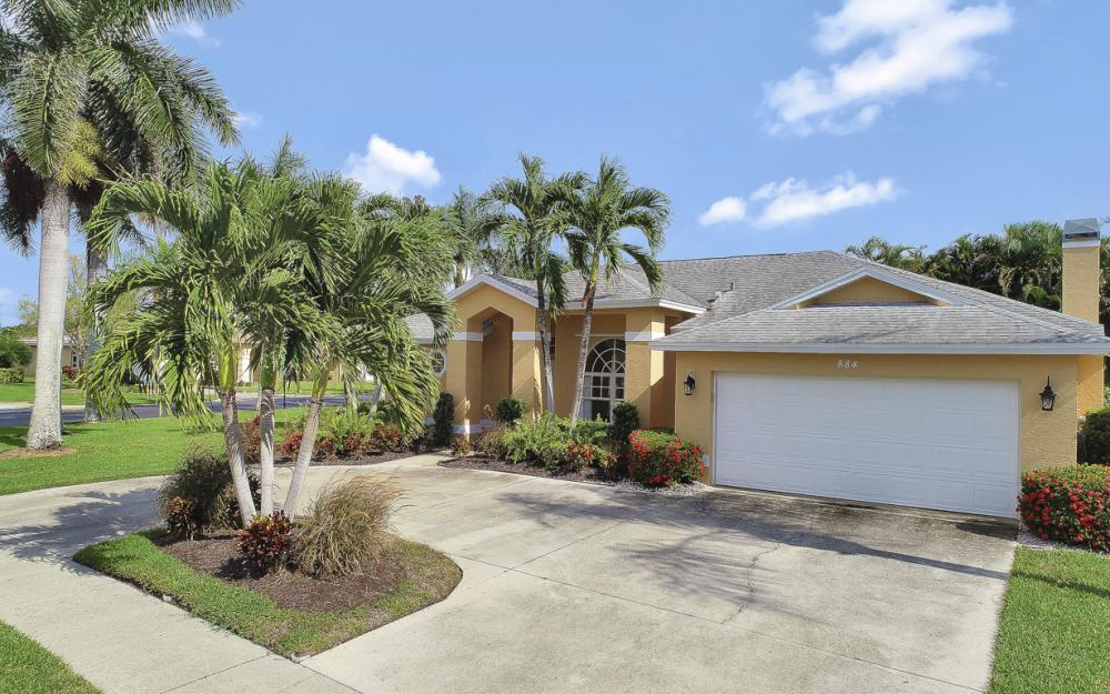 884 Briarwood Blvd, Naples - Home For Sale 1745817359