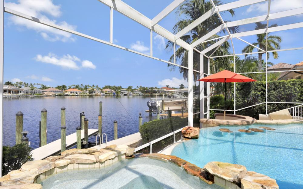 1815 Harbour Cir, Cape Coral - Home For Sale 298049495