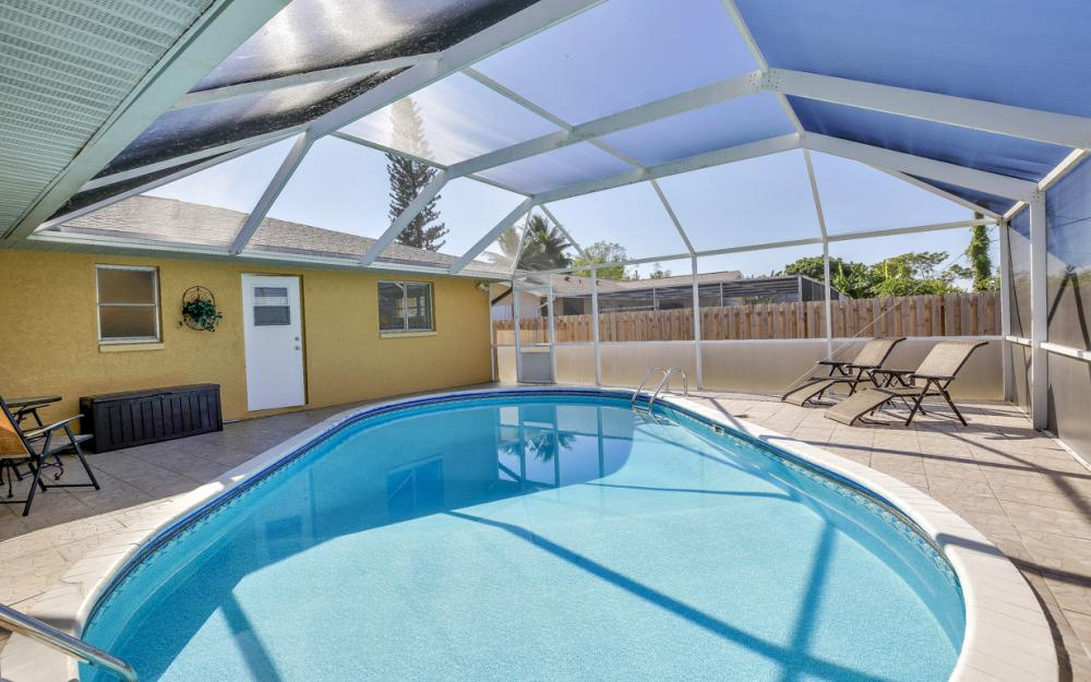 1735 Coral Point Dr Cape Coral - Home For Sale 831609349