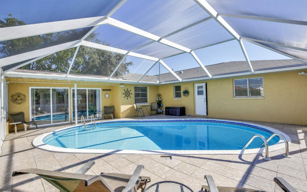 1735 Coral Point Dr Cape Coral - Home For Sale 536099443