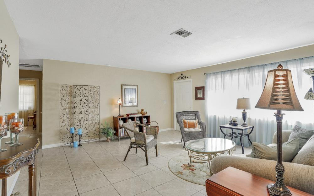1735 Coral Point Dr Cape Coral - Home For Sale 390317246