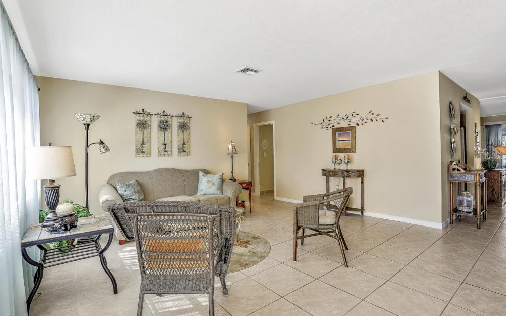 1735 Coral Point Dr Cape Coral - Home For Sale 107694713