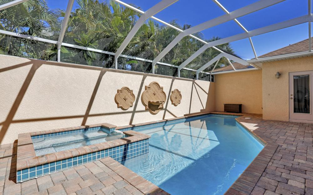 1351 Hopedale Dr, Fort Myers - Home For Sale 889771278