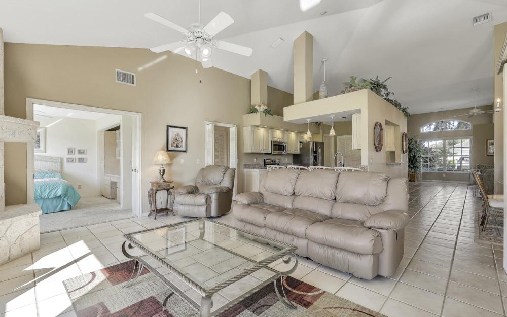 12678 Buttonbush Pl, Bonita Springs - Home For Sale 2041430719