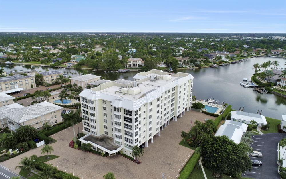 1900 Gulf Shore Blvd N #504, Naples - Condo For Sale 1728787757