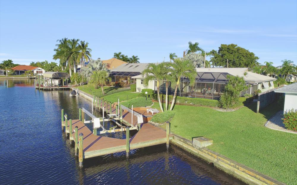 3116 SE 22nd Ave, Cape Coral - Home For Sale 1781961292