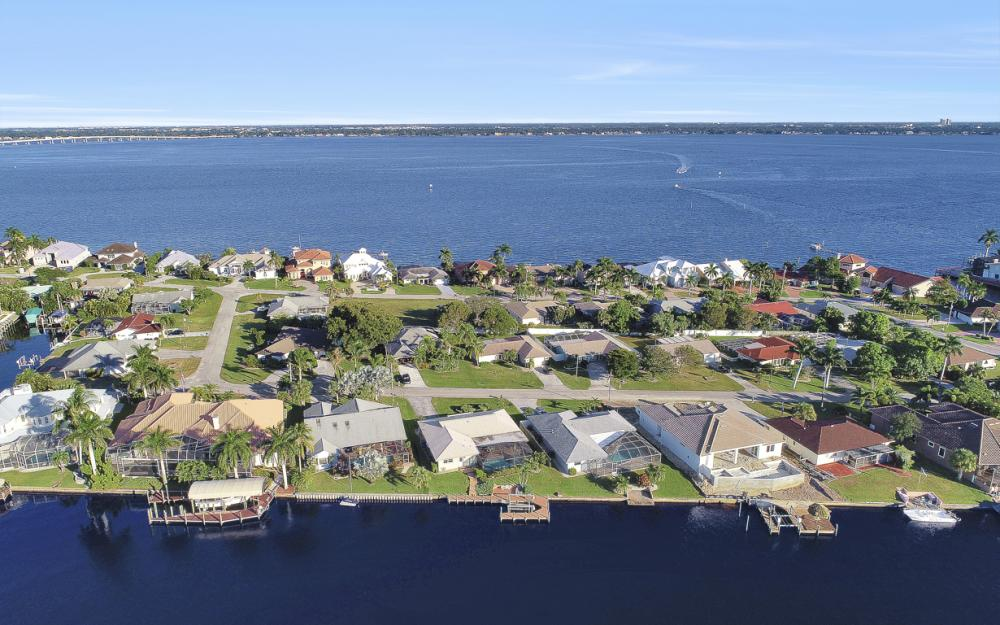 3116 SE 22nd Ave, Cape Coral - Home For Sale 1655737917