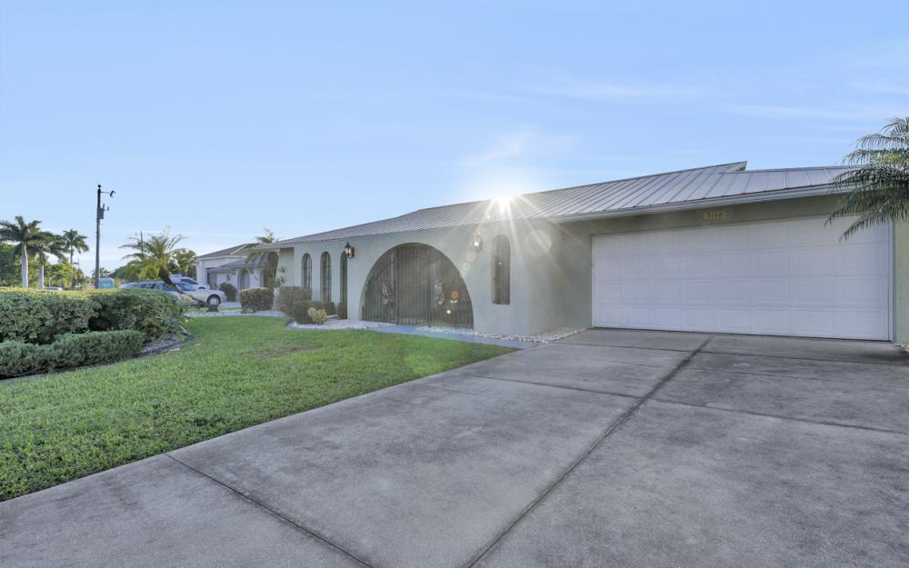 3116 SE 22nd Ave, Cape Coral - Home For Sale 1572164704