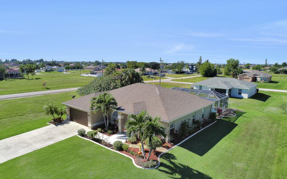 1112 NW 5th PL, Cape Coral - Home For Sale 1771728257