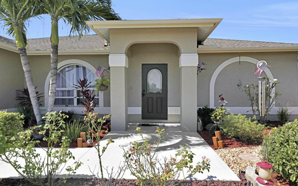 1112 NW 5th PL, Cape Coral - Home For Sale 875815436