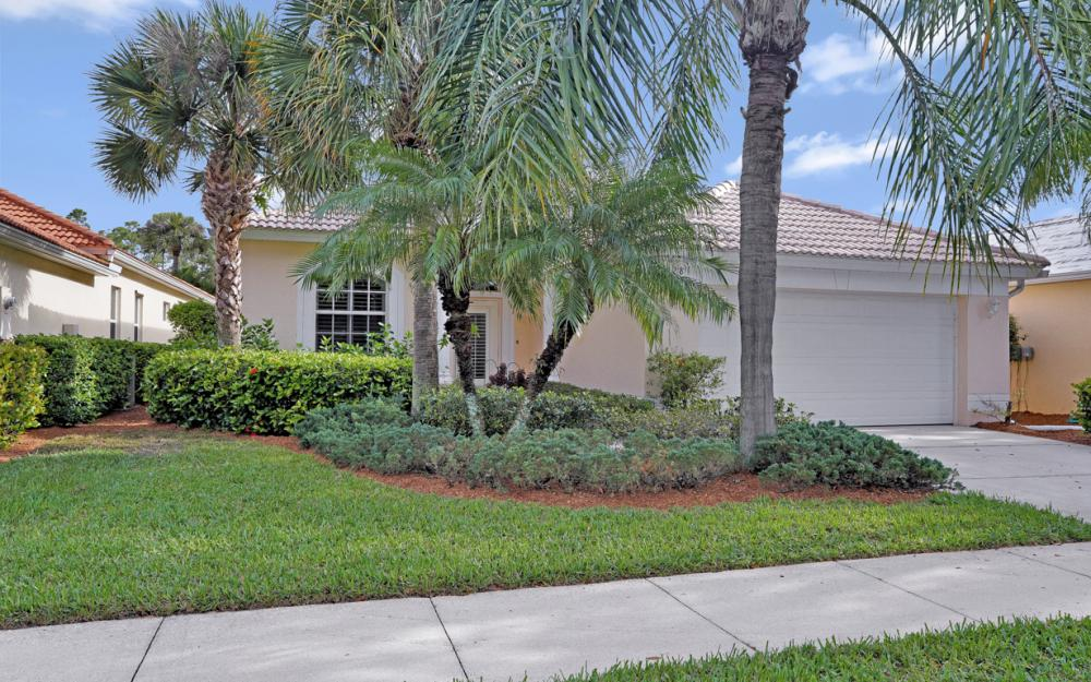6128 Highwood Park Ln, Naples - Home For Sale 240725350