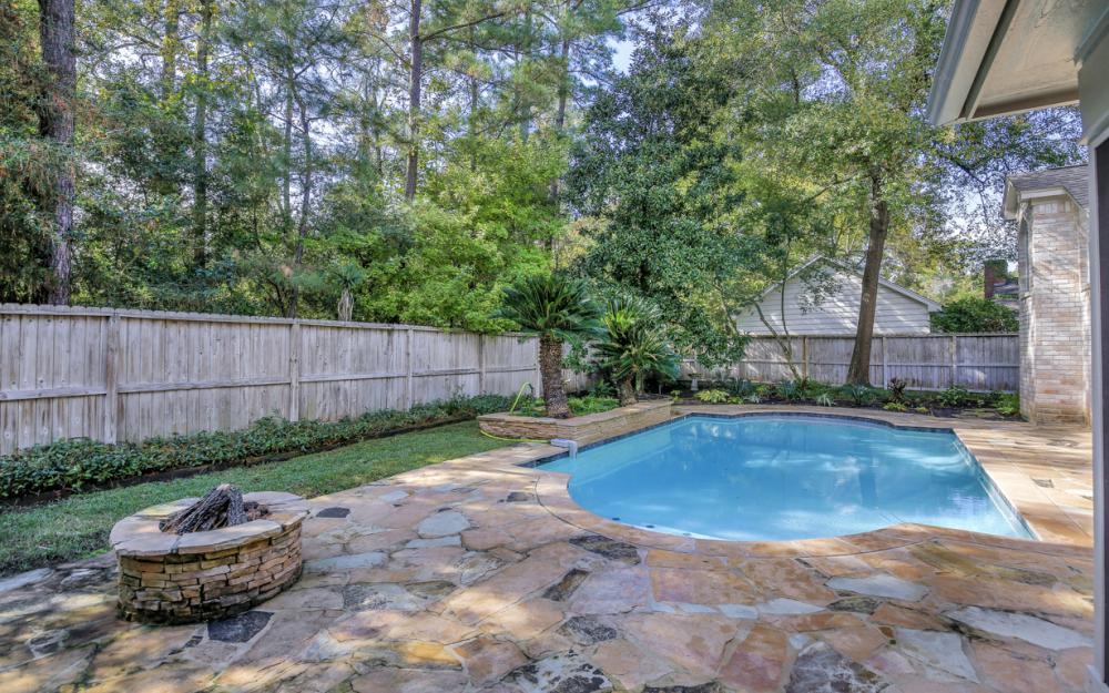 10 Thistlewood Pl, The Woodlands - Home For Sale 510481797