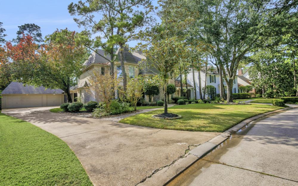10 Thistlewood Pl, The Woodlands - Home For Sale 725657191