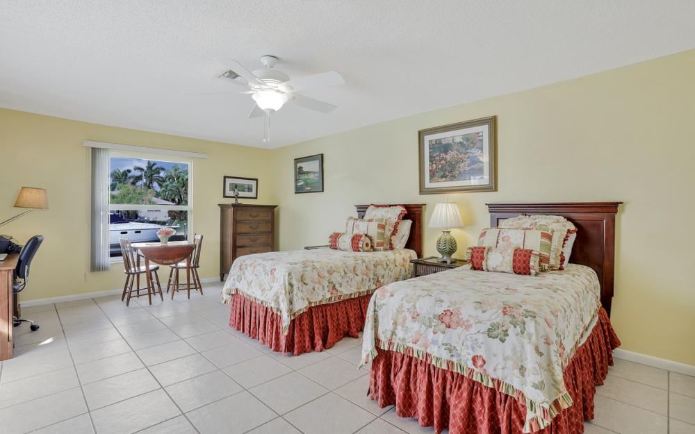 1919 Savona Pkwy, Cape Coral - Home For Sale 570278152