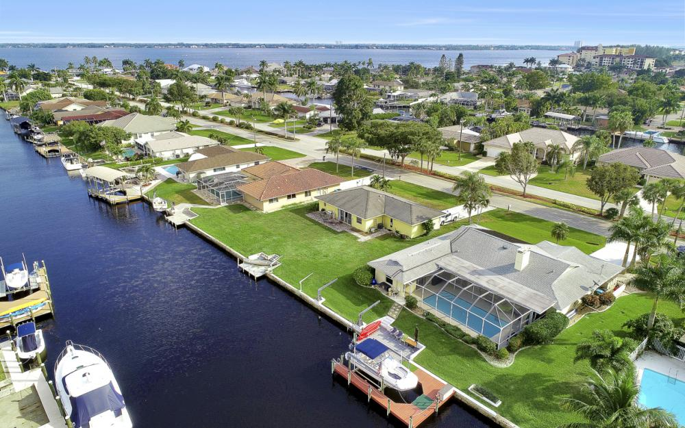 1919 Savona Pkwy, Cape Coral - Home For Sale 960696245