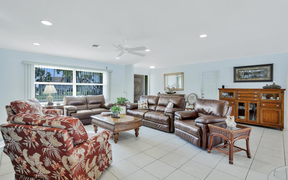 1919 Savona Pkwy, Cape Coral - Home For Sale 325765890