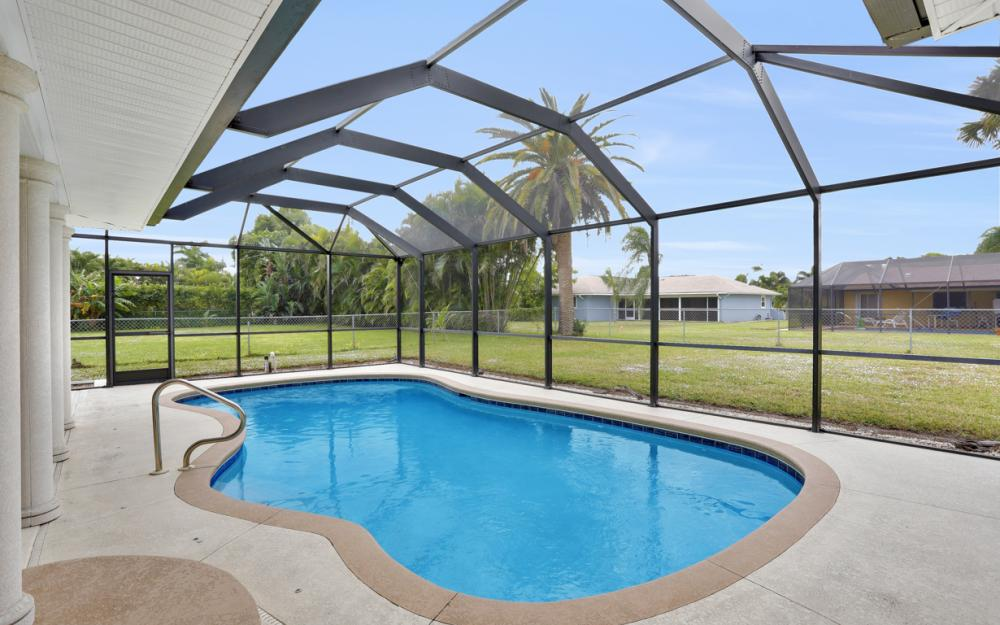 4424 SE 11th Pl Cape Coral - Home For Sale 513744315