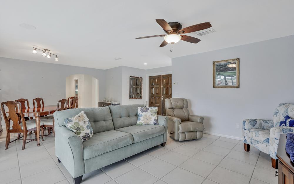 4424 SE 11th Pl Cape Coral - Home For Sale 302115434
