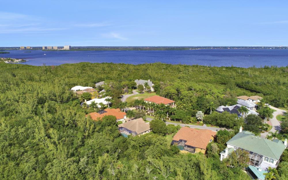 13931 Blenheim Trail Rd, Fort Myers - Home For Sale 241757529