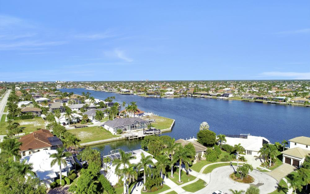 986 Aster Ct, Marco Island - Home For Sale 932290762