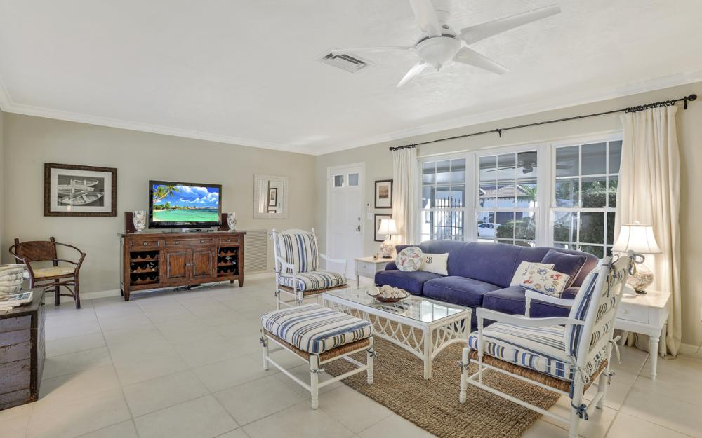 986 Aster Ct, Marco Island - Home For Sale 788902681