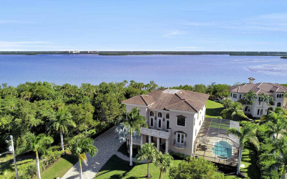 631 Inlet Dr, Marco Island - Home For Sale 32049415
