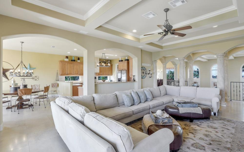 631 Inlet Dr, Marco Island - Home For Sale 960801062