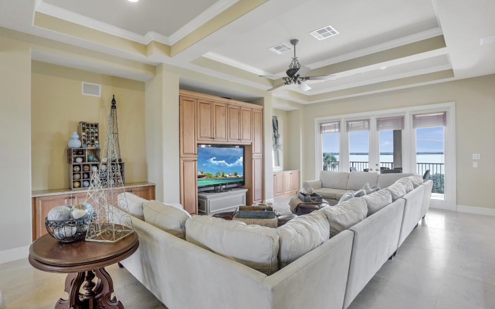 631 Inlet Dr, Marco Island - Home For Sale 787935556