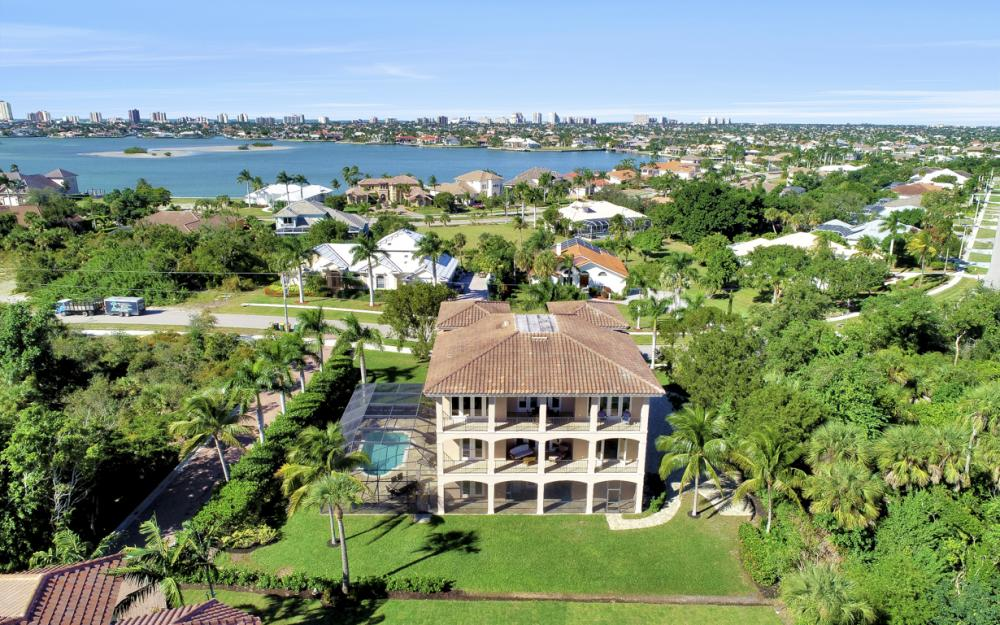631 Inlet Dr, Marco Island - Home For Sale 616416715