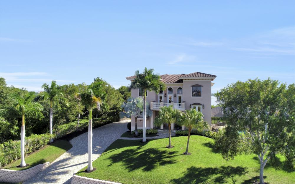 631 Inlet Dr, Marco Island - Home For Sale 1312625105