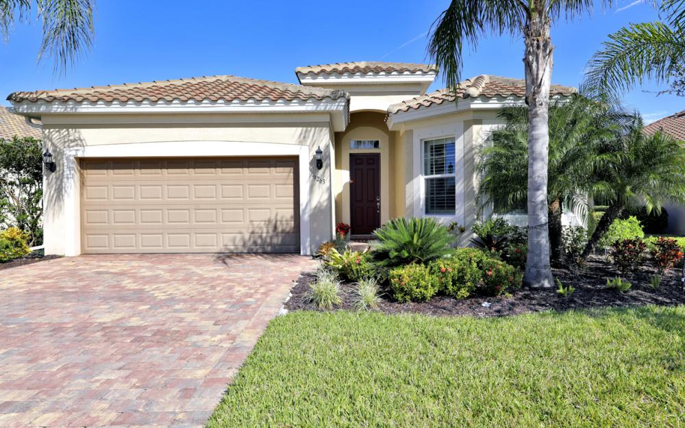 9263 Fieldstone Ln, Naples - Home For Sale 892606195