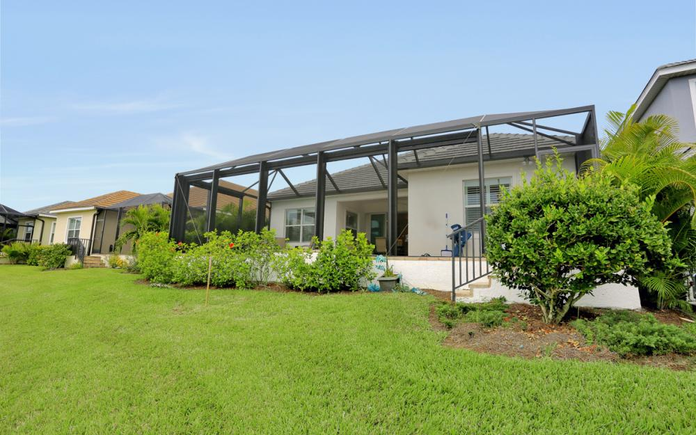17818 Vaca Ct, Fort Myers - Home For Sale 53593150