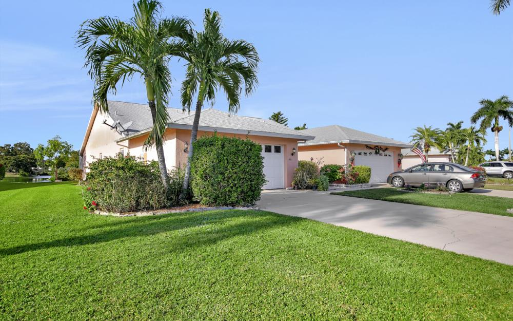 561 Saint Andrews Blvd, Naples - Home For Sale 1692223063