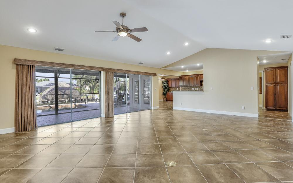 1427 SW 53rd Ln, Cape Coral - Home For Sale 2027683676