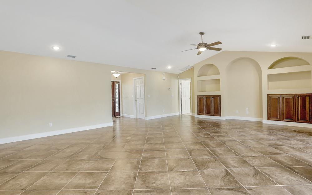 1427 SW 53rd Ln, Cape Coral - Home For Sale 2082825554