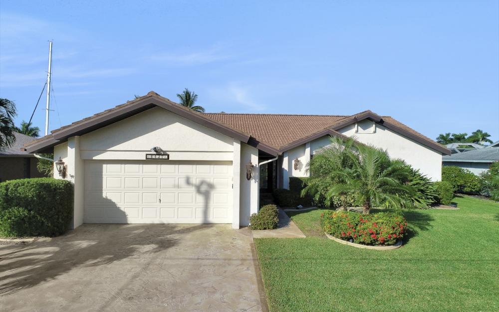 1427 SW 53rd Ln, Cape Coral - Home For Sale 1063554600