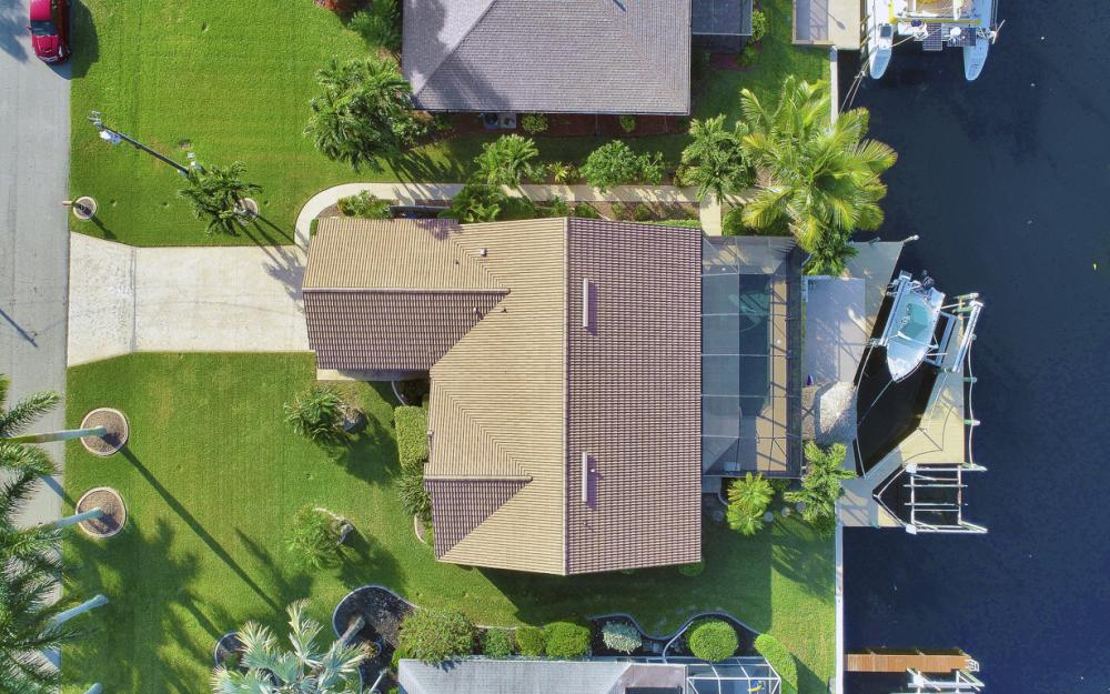 1427 SW 53rd Ln, Cape Coral - Home For Sale 738190831