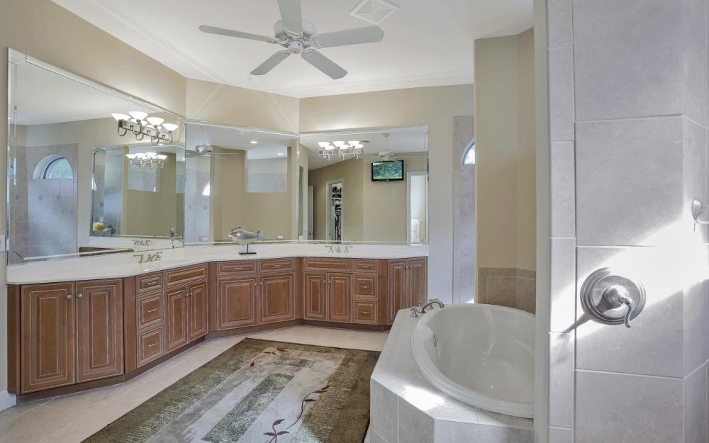 23004 Shady Knoll Dr, Estero - Home For Sale 1127610522