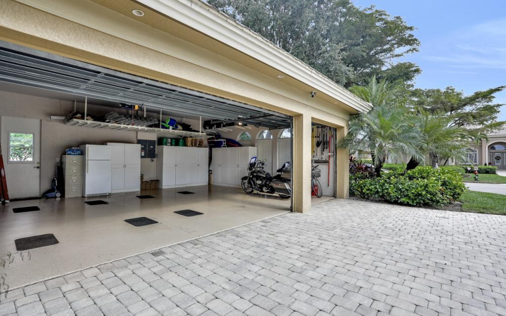 23004 Shady Knoll Dr, Estero - Home For Sale 188837103