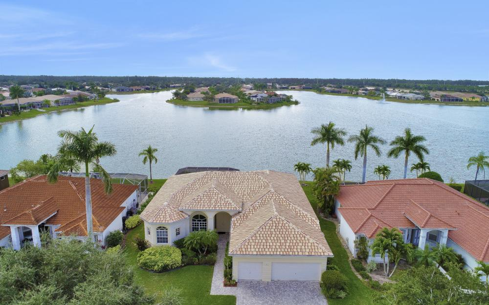 621 Grand Rapids Blvd, Naples - Home For Sale 899659239