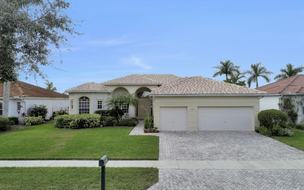621 Grand Rapids Blvd, Naples - Home For Sale 1079796257