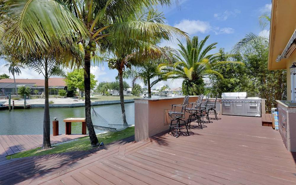 300 Capistrano Ct, Marco Island - House For Sale 24683616