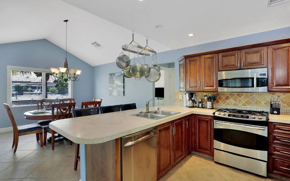 300 Capistrano Ct, Marco Island - House For Sale 103538001