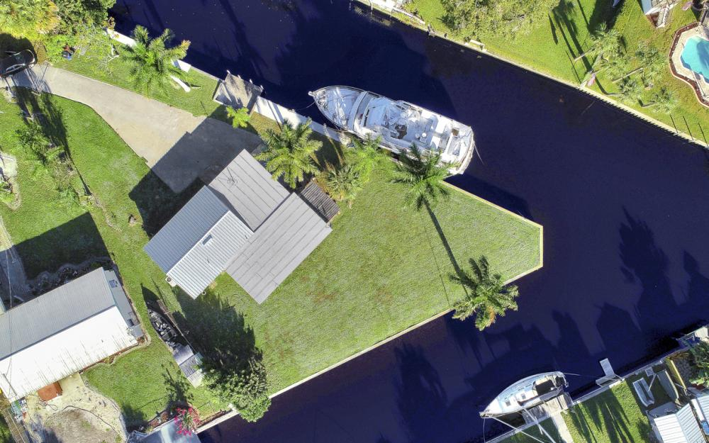 1156 Harbor Dr N. Fort Myers - Home For Sale 393621205