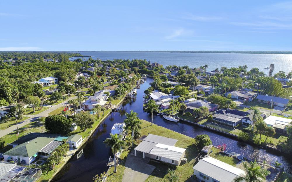 1156 Harbor Dr N. Fort Myers - Home For Sale 1392676058